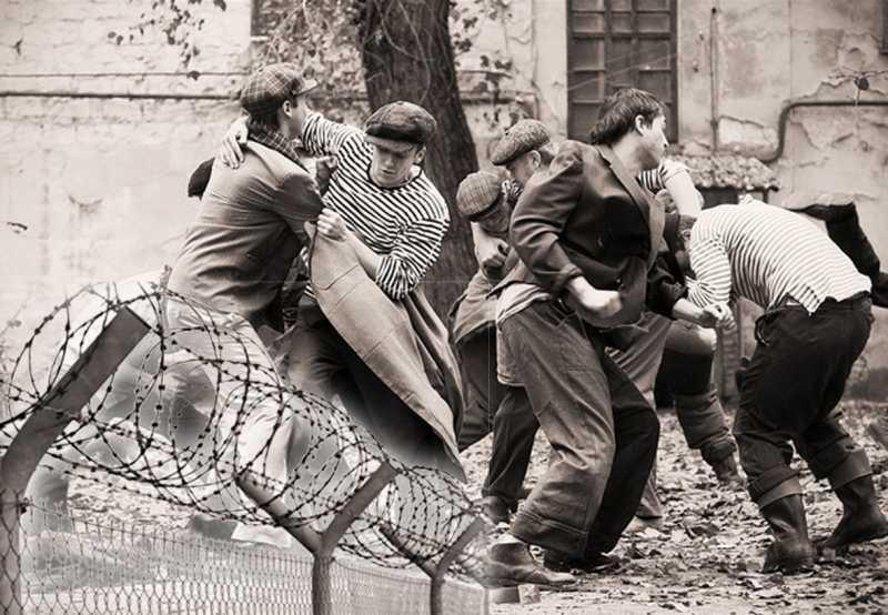 послевоенные банды ссср фото повернулась спиной камере