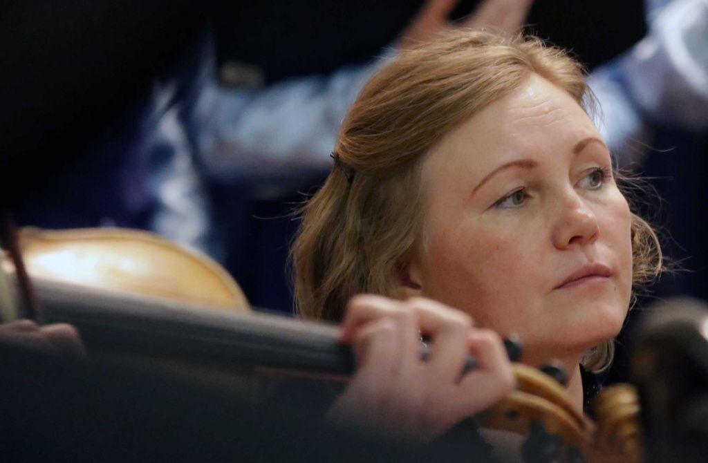 Во время спектакля. Флейтистка Светлана Шапкина.jpg