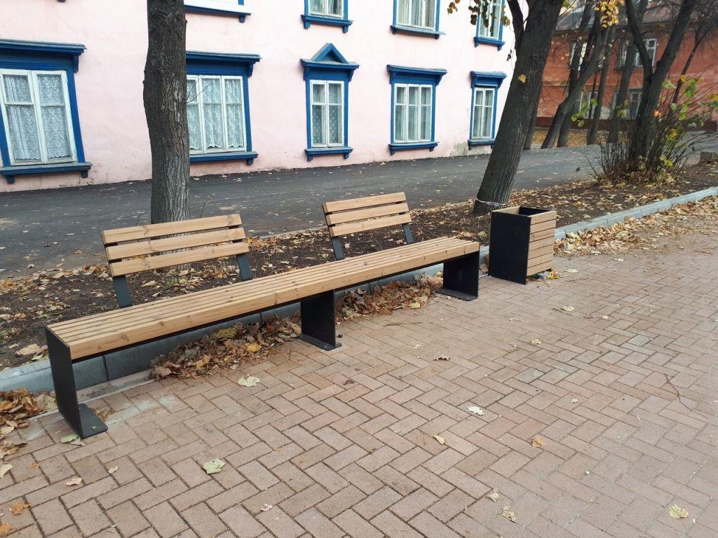 скамейка на улице