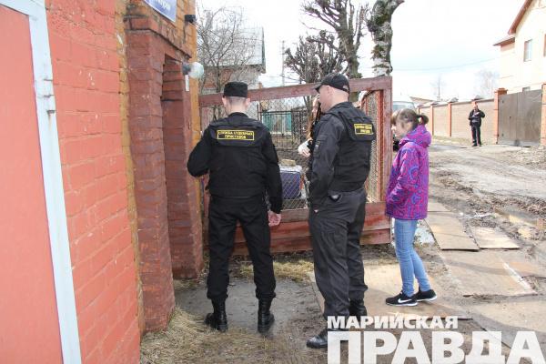ВВолгоградской области должник оплатил  налоги после ареста джипа