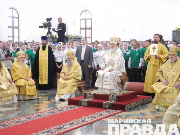 Наслужбу вхрам Благовещения пришли десятки пензенцев