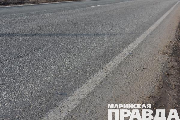 ВЙошкар-Оле дороги асфальтируют иподсыпают щебнем