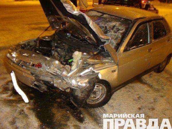 ВЙошкар-Оле завыходные случилось 2 ДТП спострадавшими