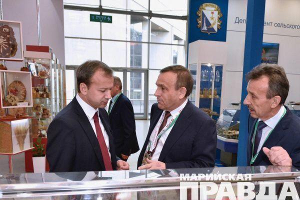 Александр Евстифеев поздравил граждан Марий ЭлсДнем Учителя