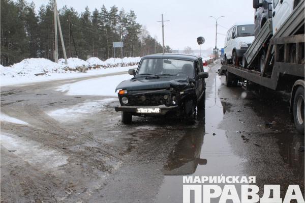 Жертвами ДТП вМарий Элстали две пассажирки Форд Fiesta